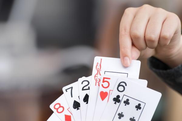 手元に来た カードの使い方を決め、勝機をつかむのは自分自身