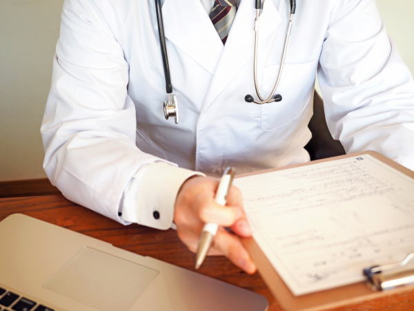 B型慢性肝炎診察